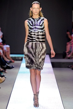 лето 2012 модные платья