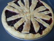 Пирог из рубленого теста с вишней